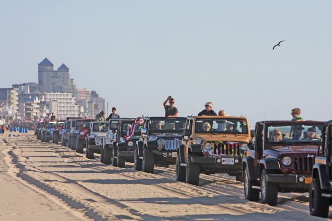 001-ocean-beach-jeep-week-parade-of-jeeps-lead-e